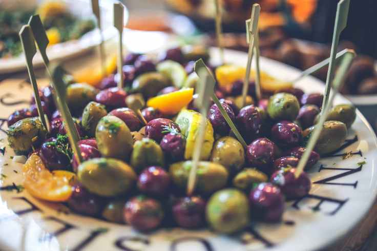olives on the plate